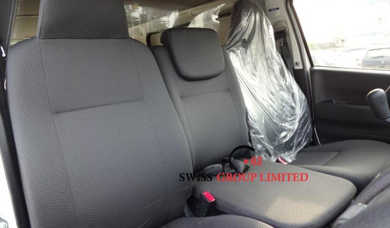Toyota Hiace Van STD Roof full