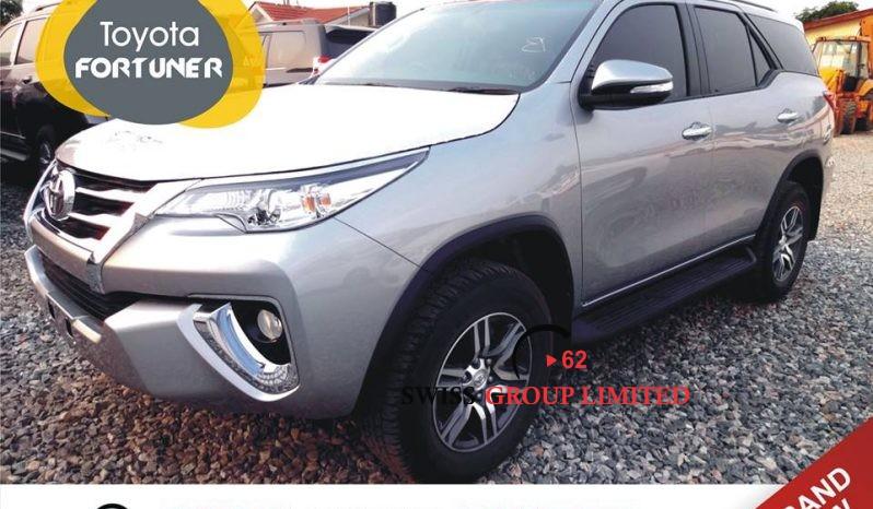 Toyota Fortuner full
