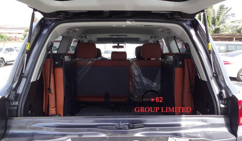 Toyota Land Cruiser LC 200 V8 full