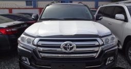 Toyota Land Cruiser V8 Black