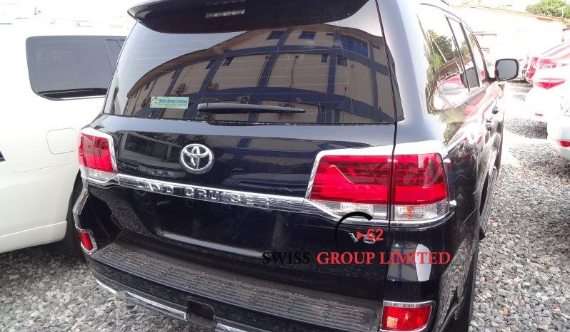 Toyota Land Cruiser V8 Black full