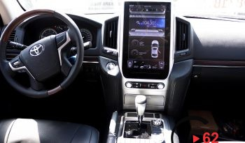 Toyota Land Cruiser V8 2018y/m full