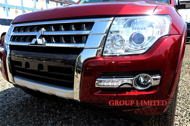 Mitsubishi Pajero Red full