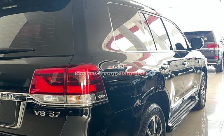 Toyota Land Cruiser VX-S full