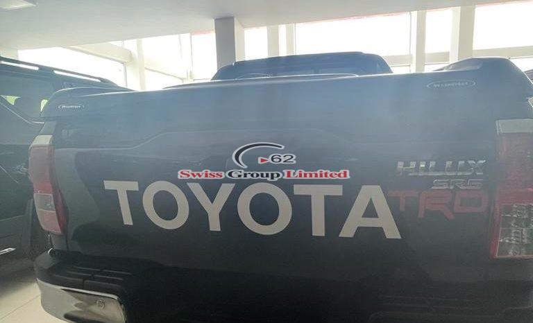 Toyota hilux pickup(TRD) full