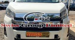 Toyota haice hiroof bus