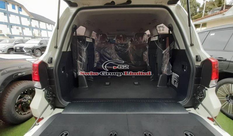 TOYOTA LAND CRUISER V8 (VXR) full